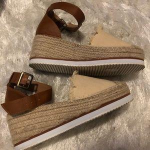 Nautica frayed sandal